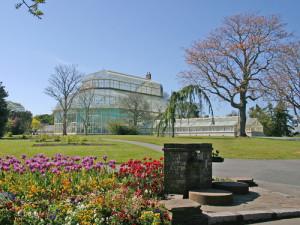 Botanic_Gardens_Dublin_shutterstock_11359915